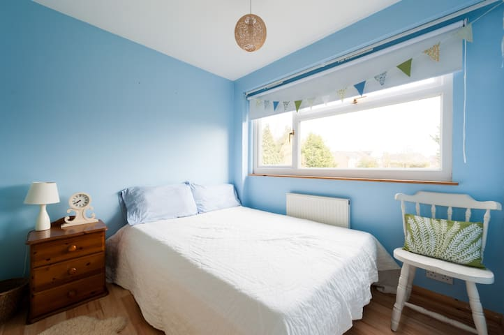 British blue bedroom - Great Yeldham - Hus