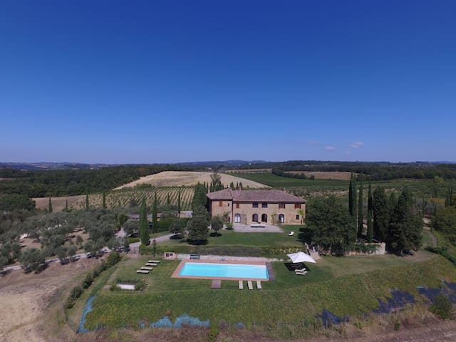 Stunning Villa with private pool at 5km from Siena - Siena - Villa