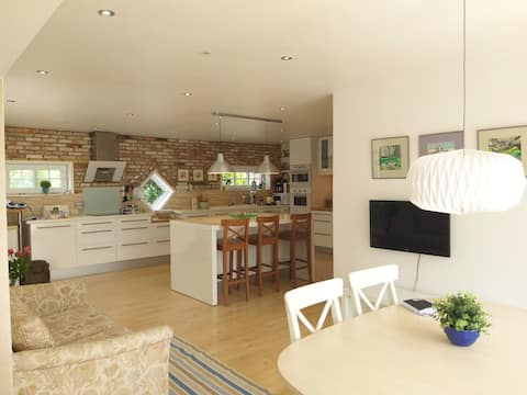 Spacious home with family kitchen at the heart.