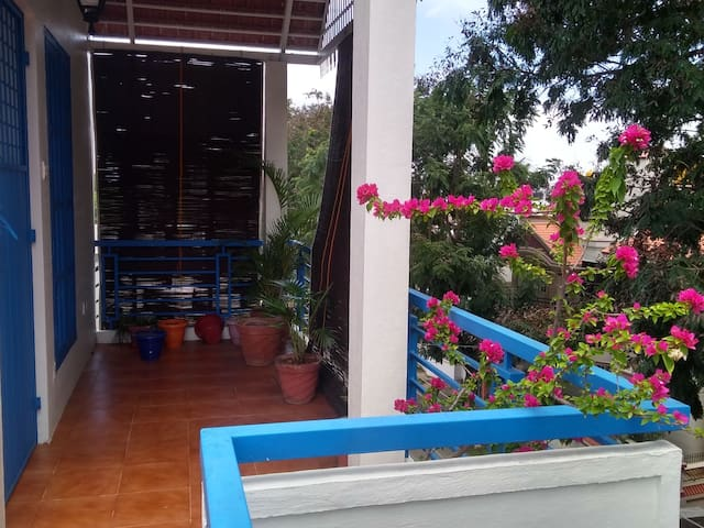 Bougainvillea - a cozy Private-Studio-Apartment.