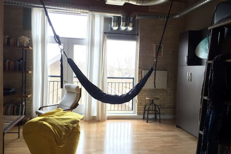 Character @ this luxurious urban loft - Kitchener