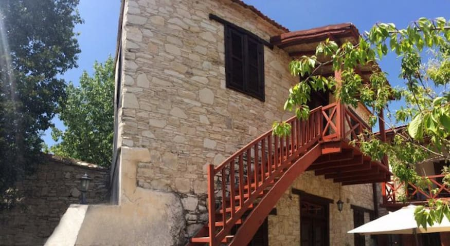 4 Units in Historic Villa - Pano Panagia - Apartment