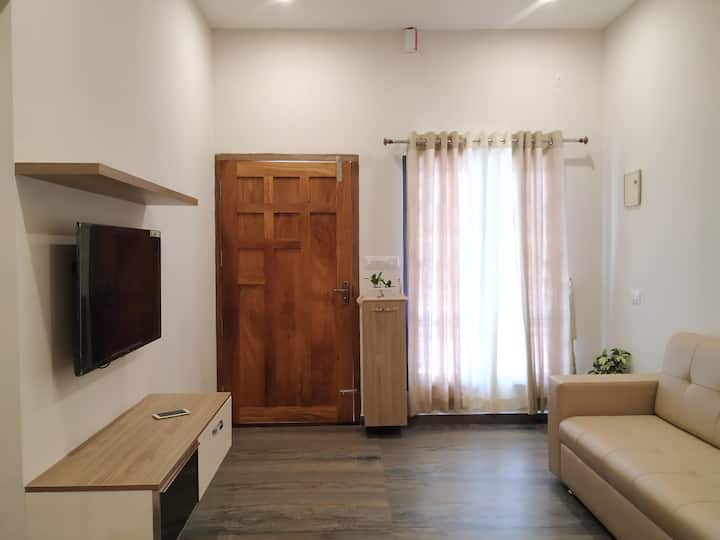 1 BHK fully furnished apartment in Kathirikadavu