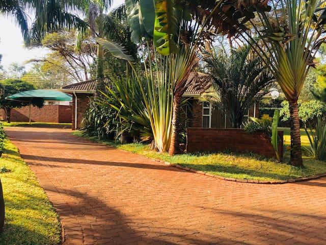 Palm Tree Apartment (Wifi,Borehole,Inverter,DSTV)