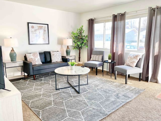 Gorgeous 3BR Home | WPAFB and WSU