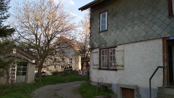 Old basic little house: Maur au Lac (2-5 persons)