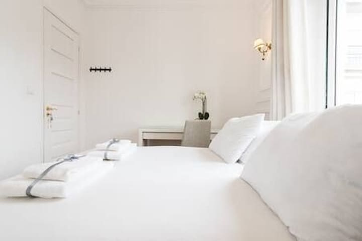 White Lovely Room