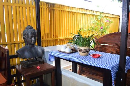 room 1 - Denpasar - Bed & Breakfast