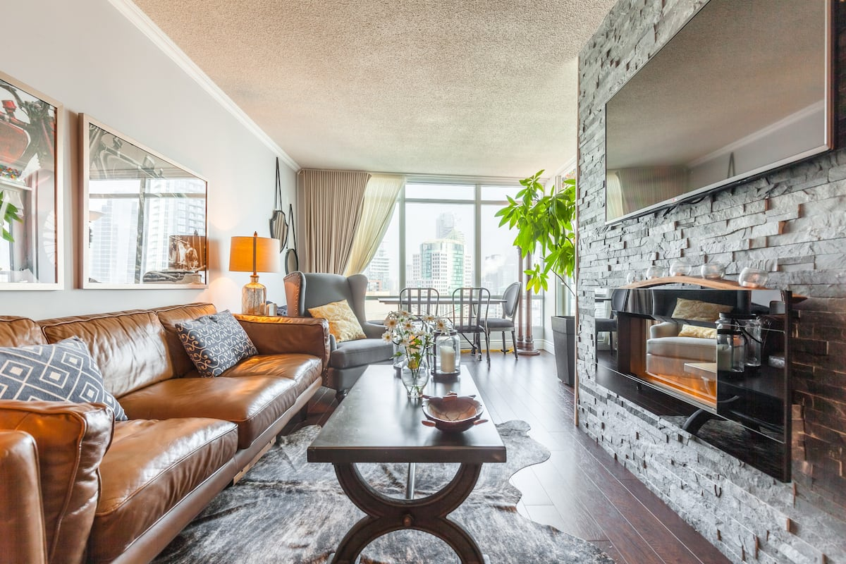 Explore the City Centre from Condo with Views