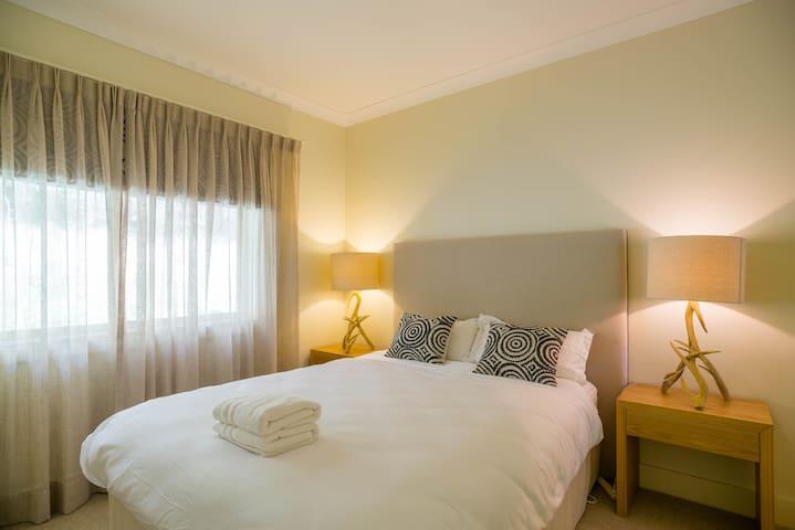 Queen size 3rd Bedroom