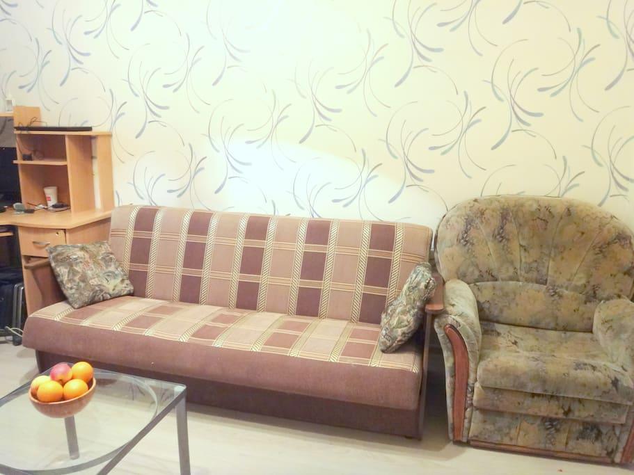 Спальные места : диван - кровать и кресло - кровать