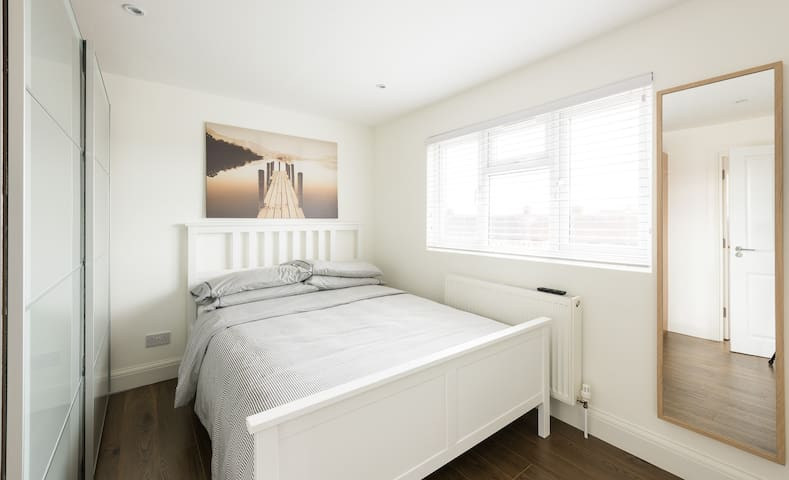Beautiful Loft Studio - Edgware - Apartamento