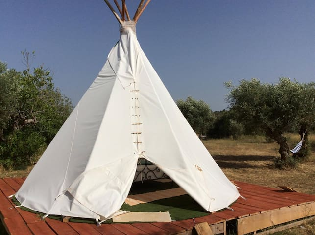 Tipi glamping experience