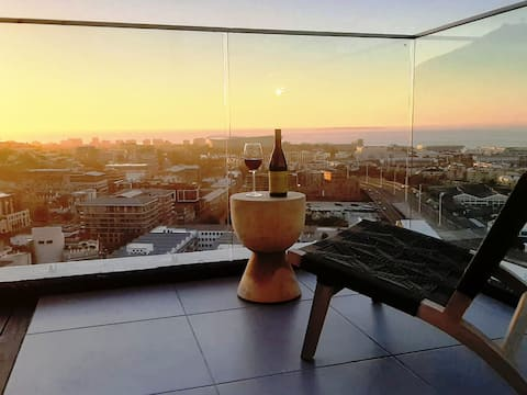 New Luxurious 43m² apartment on the 30th floor.