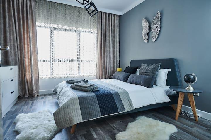 ★Emerald Ivy-Luxurious flat | Modern Complex★