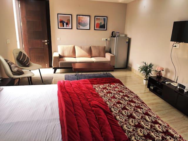 Rooftop apartment®| Modern Room w/Bathtub &balcony
