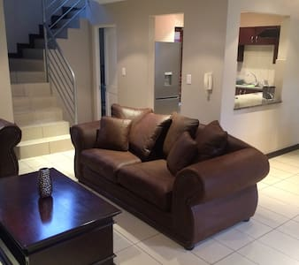 NEW LISTING !! Luxury at its Best - Melrose JHB - Johannesburg - Apartment
