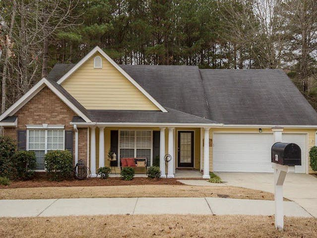 Masters Rental in RIVERWOOD!