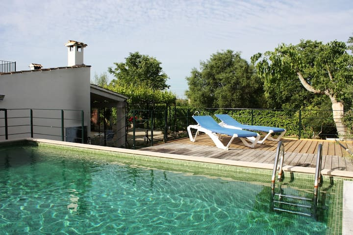 Mallorcan style furnished villa with private pool near Buger