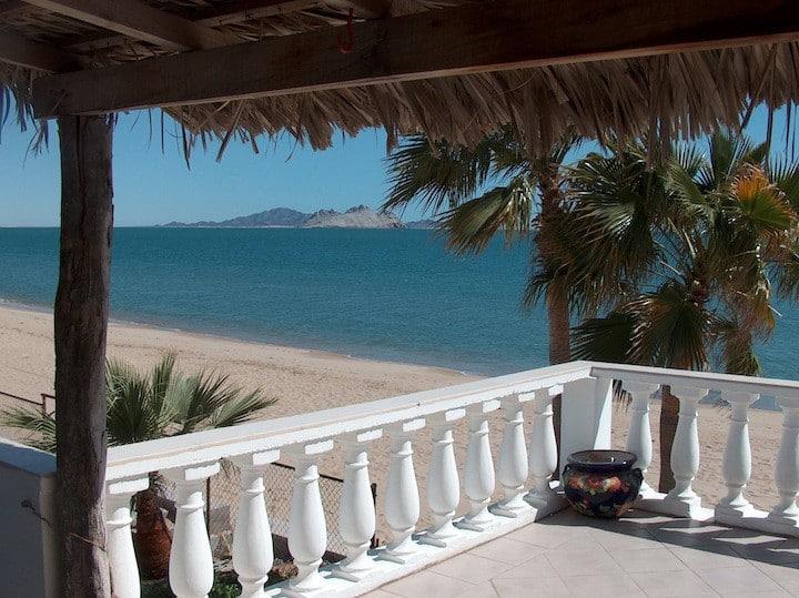 Casa Tortuga's Pelican Studio overlooking the sea