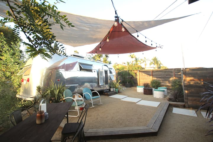 Freshly Remodeled Vintage Airstream 5min to Beach