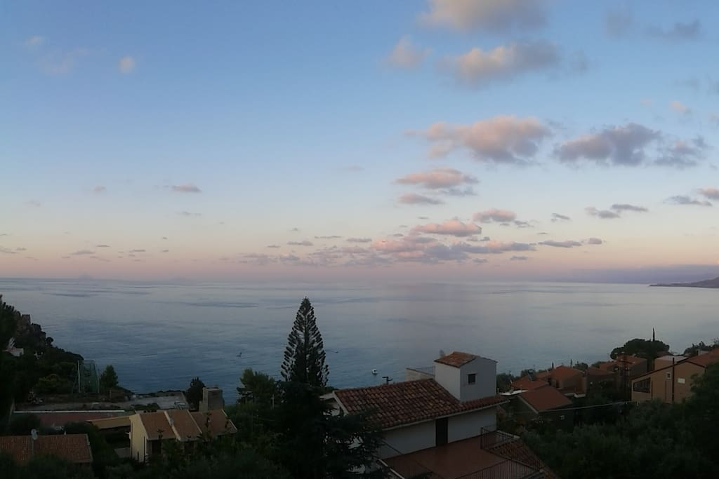 The view at sunset - Il panorama, al tramonto