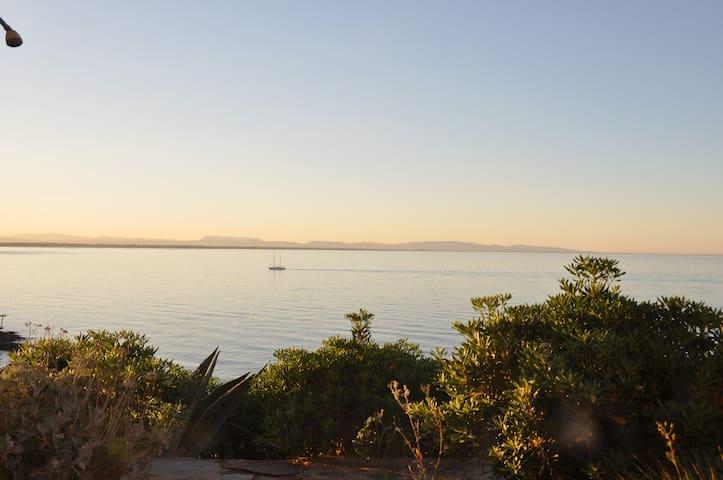 Villa de charme face à la mer, vue imprenable