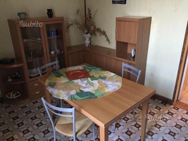 Appartamento 4/5 posti letto zona centro - Canicattini Bagni