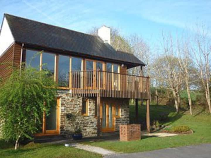 Lovely 3 bed, 3 bath detached lodge by St Mellion