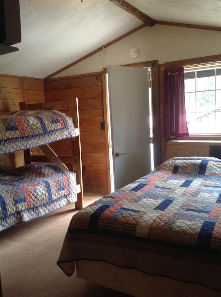 Antler's Lodge Cabin 9