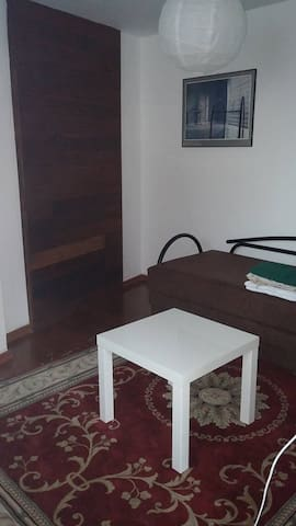 LOVELY INDEPENDENT ROOM NEXT TO TEL AVIV - Holon - House