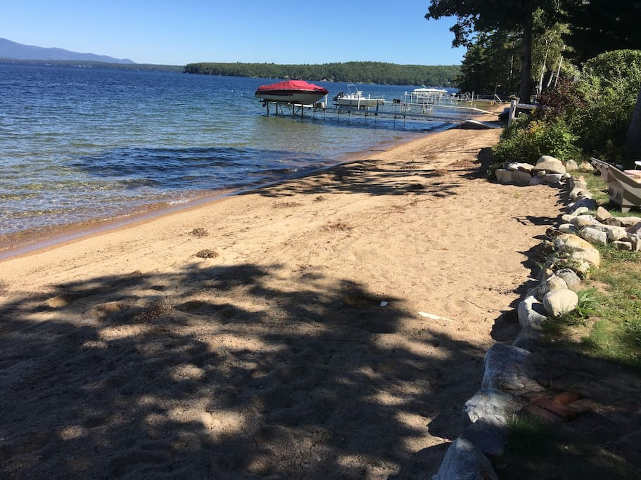 The Best Location on the Lake: wide fine sand beach with Incredible long views