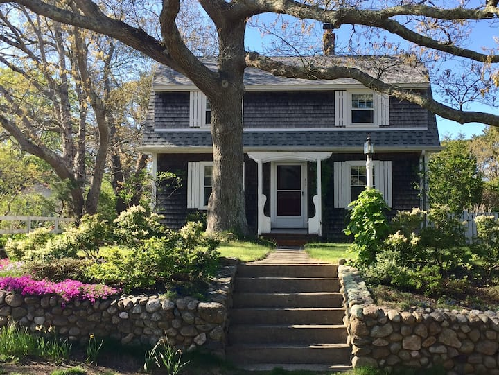 Comfortable home near Vineyard Haven town center