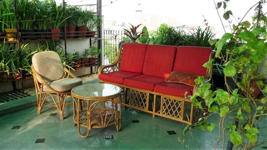 Private Terrace Garden Studio w/ Kitchen & Bath - Nova Delhi - Pis