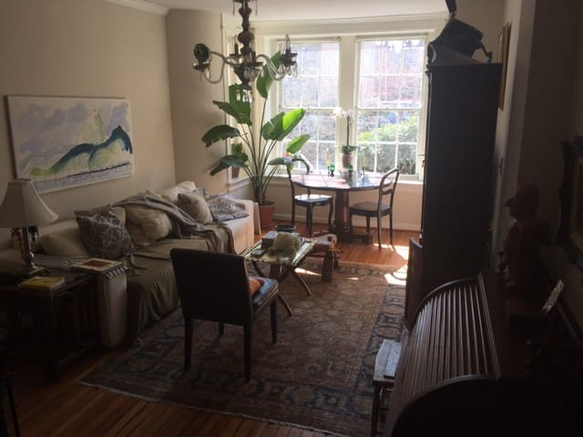 Condo in DC's Dupont/Logan Area right off 14th St. - วอชิงตัน - อพาร์ทเมนท์