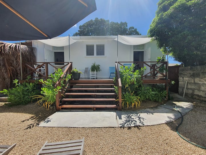 CORAL RETREAT GUEST HOUSE