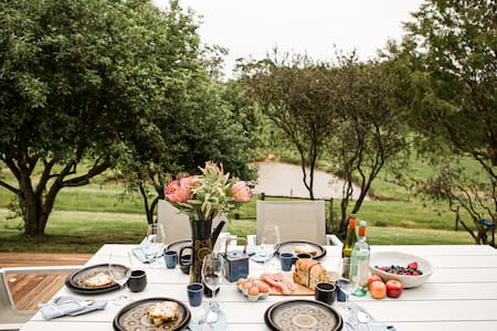 Wine Getaway with a View at Wongalere Farmhouse