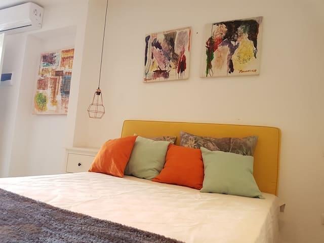 Modern and comfy Studio
