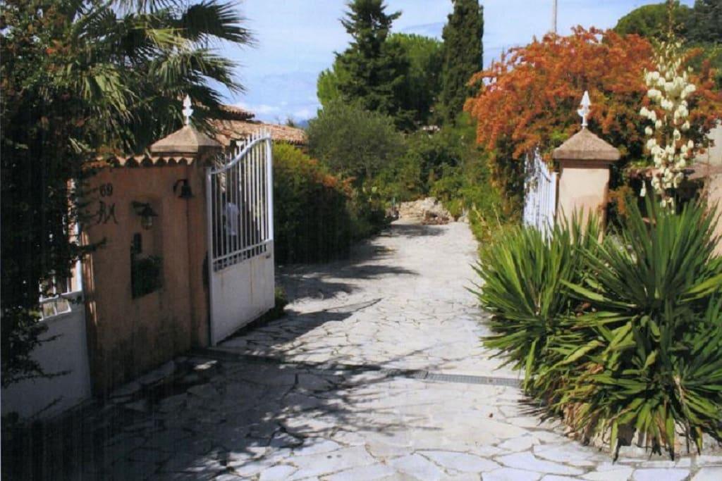 Entrée de la villa