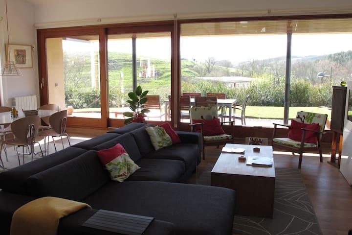 Welcoming Holiday Home in Villaverde de Pontones with Garden