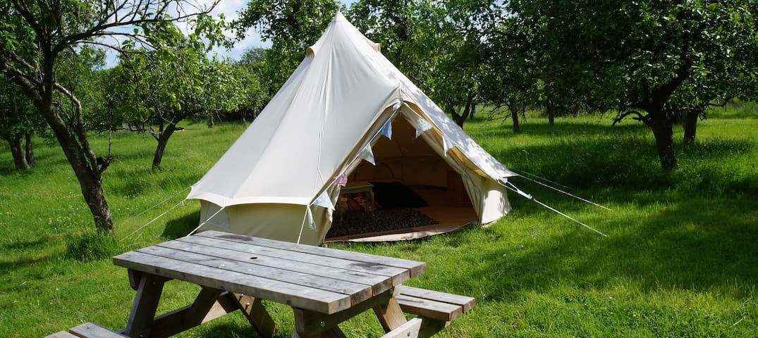 Swan Bell Tent, The Orchard Getaway