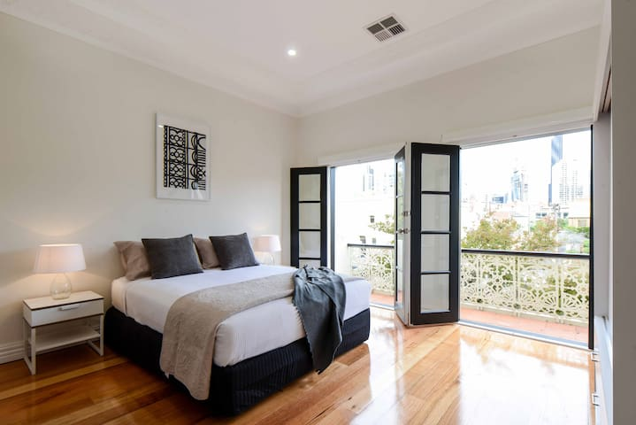 Outstanding Melbourne City Home - Carlton - House