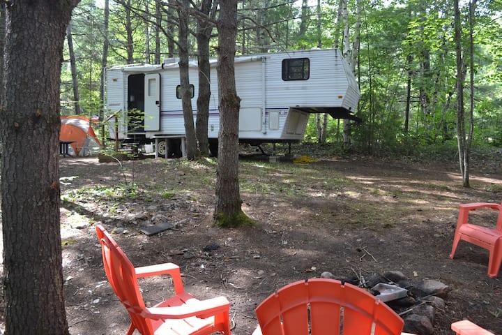 OUR PLACE. 5th Wheel Camper near Talon Chutes