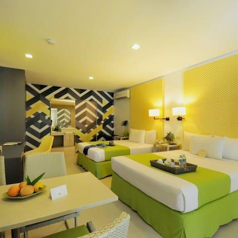 Beachfront Boracay Cozy Room with Pool Access