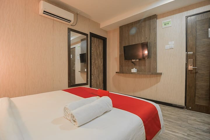 RedDoorz Plus Near Mall Nagoya Hill Batam 3