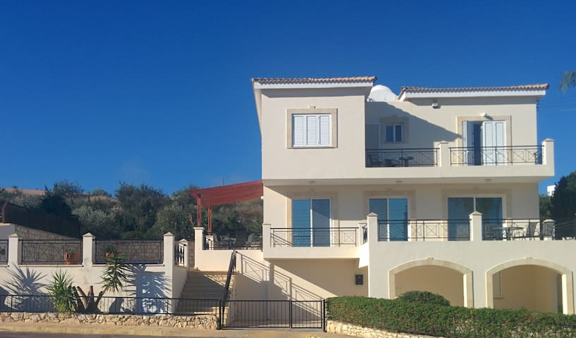 Villa with private pool and gym - Neo Chorio - Vila