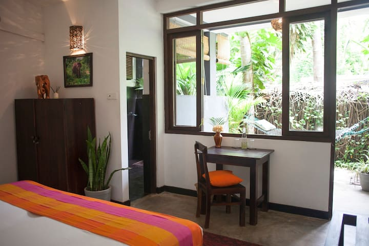 Salt Hammock Garden Room - Surf / Yoga Included