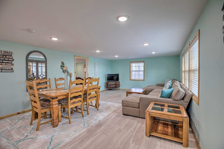 NEW! Outdoor Family Fun: Large Home by Beaver Lake