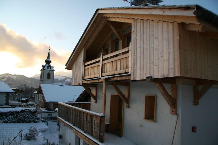 Chalet de standing, centre de village,