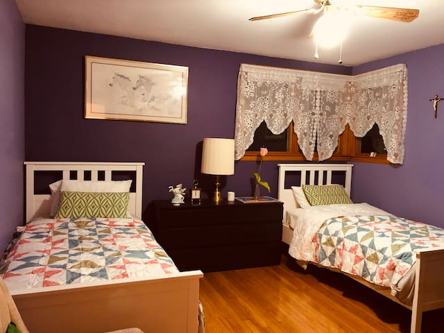 Private rm#1:Twin Beds Langhorne PA